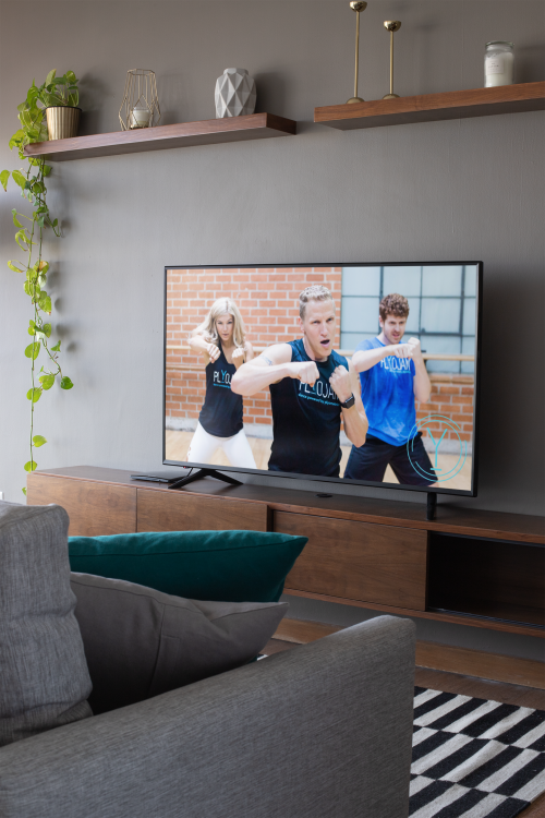 mockup-of-a-smart-tv-in-a-modern-living-room-25883